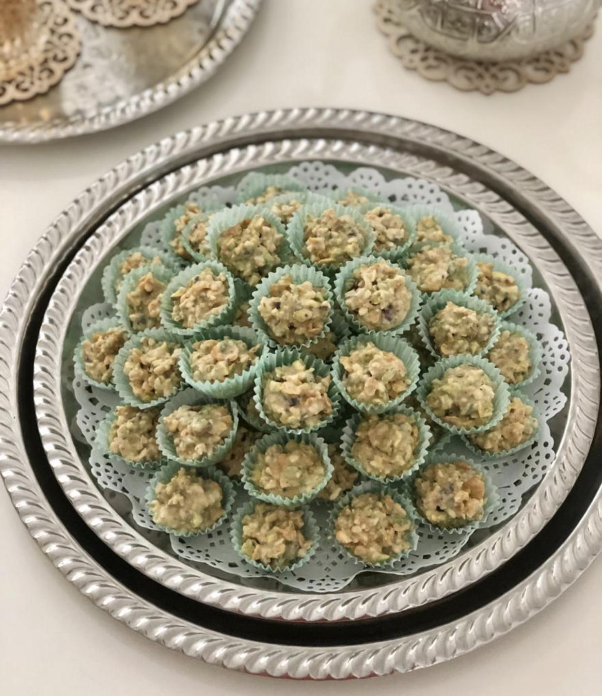 Chocolade cornflakes koekjes met amandel en pistache